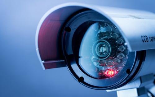 Đột nhập camera an ninh trong 30 giây
